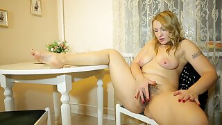 Hairy pussy mature mommy Ginger Love enjoys fingering her cunt