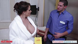 Dangerously seductive housewife Eva Notty fucks a plumber in hammer away bathroom