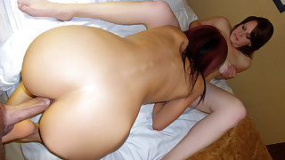 Holly Green & Ruby Knox in Amateurs Film Hotel Threesome - MofosBSides