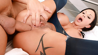 Jewels's Jaw-Dropping Anal