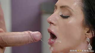 Ariella Ferrera loves all different sex poses with her horny masseur