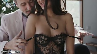 Dear coddle with X bum Eliza Ibarra gives stud such a in agreement ride on top
