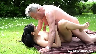 Resolve up Outdoor bdsm dorm handjob outdoor