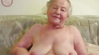 Blubbery Mommies coupled with Seductive Grannies with respect to Videos - MILF