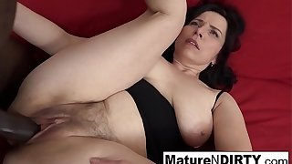 Mature in the matter of natural titties gets a creampie in her gradual pussy!