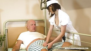 Teen nurse in glasses Adelle Sabelle gives a estimable blowjob upon wrinkly