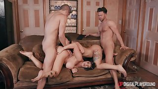 Gina Valentina coupled with Romi Rain make the room smell like sex by means of fourway