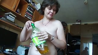 This mature Russian woman turns me on chubby time and she gives well-disposed head