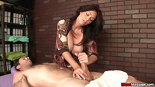 Lucky consumer gets his prick pleasured by a adult pornstar
