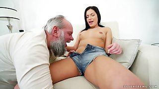 Balls abysm fucking between an old pervert and anorectic Annie Wolf