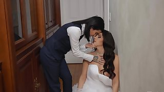 Bride to be shares one resume moment of lezzie porn