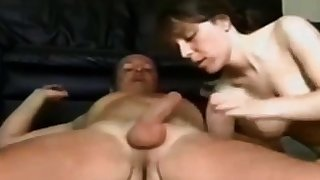 Amateur girl gets fucked on homemade intercourse tape