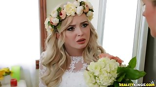 Lexi Lore, Costume Mercer - Two Brides Several Groom